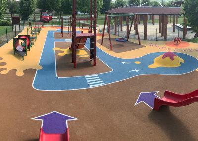 Ungarn_Koeroeshegy_Kinderspielplatz